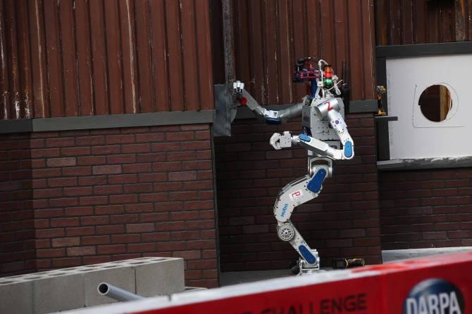 El robot ganador del DARPA Robotics Challenge en 2015 Img_28390
