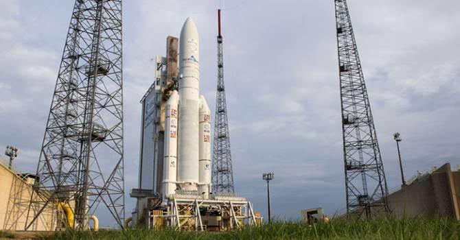 Lanzados los satélites Eutelsat-8 West B e Intelsat-34 Img_30100